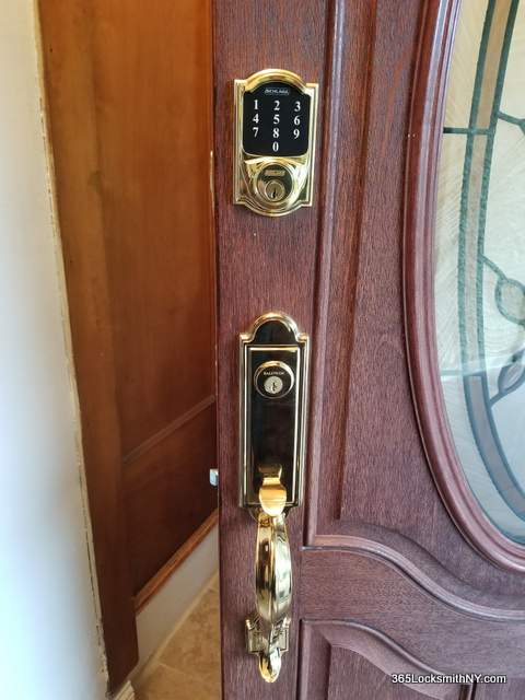 locksmith in Corona